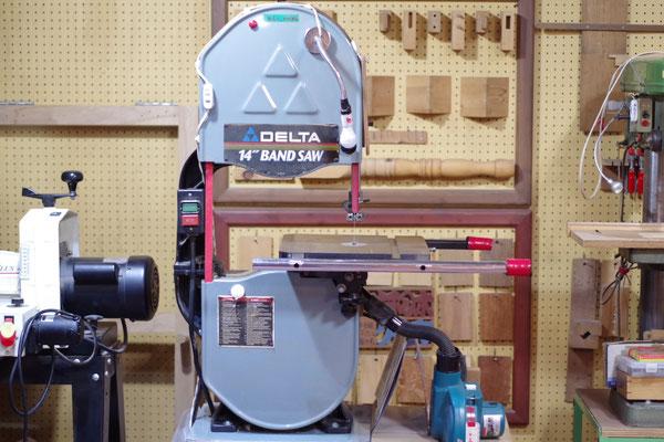 バンドソー 指導料2,000円(税込2,160円) 高さ160mmまで 太い刃で直線切り 細い刃で曲線切り
