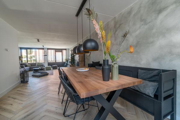 complete make-over woonkamer + advies muur, vloer en barn schuif deur (Rijnsburg)