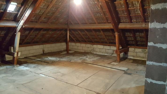 Débarras d'un grenier à Lons le saunier -jura- Entreprise ahlen Clément