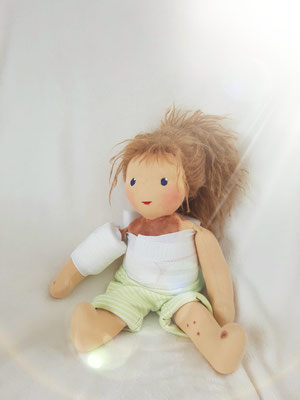 Neles Puppenmädchen: Beistand nach einer Nävus-OP...