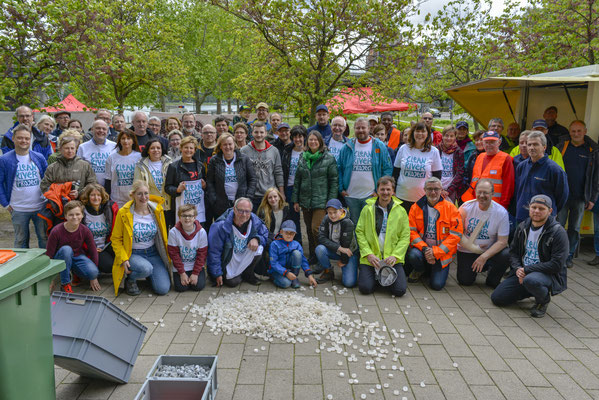 Wir machen sauber am Rhein - CleanUp-Event am Lichtenberger Ufer. Fotos: Martin Hartmann