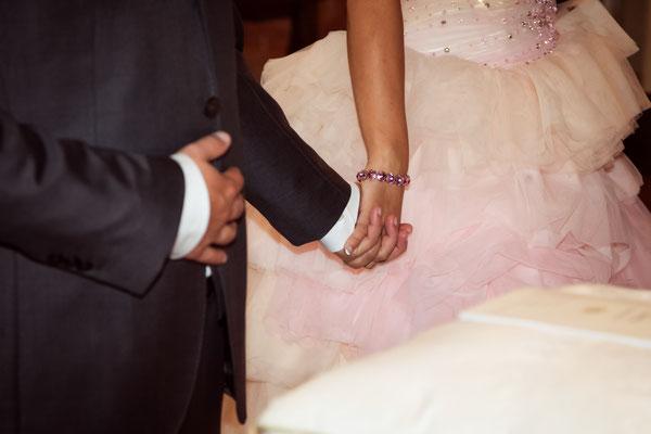 Le mani degli sposi