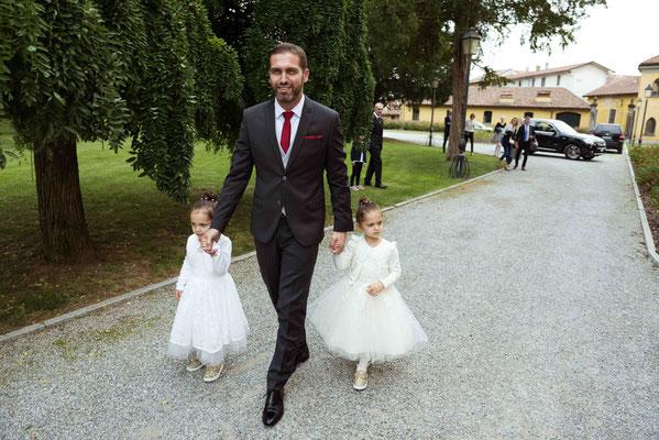 Arrivo dello sposo con le damigelle