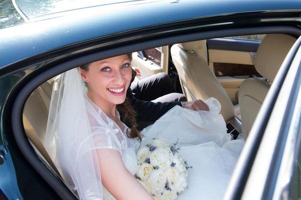 L'arrivo della sposa in auto
