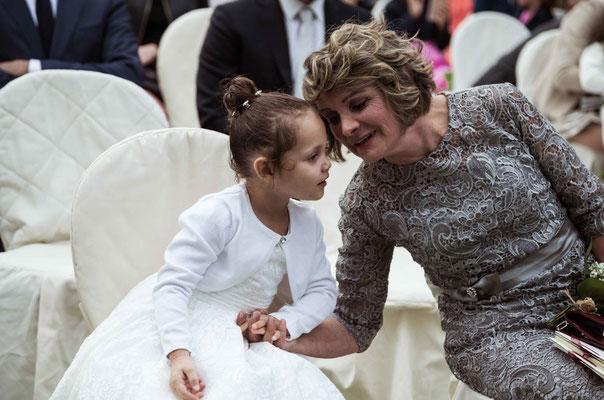 Bambina al matrimonio