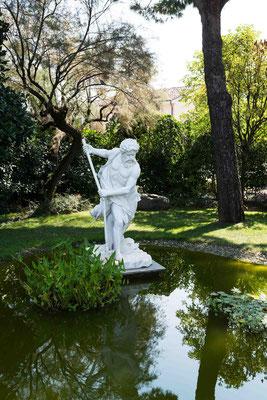 Dettagli del giardino del ristorante Rosetta a Passerera
