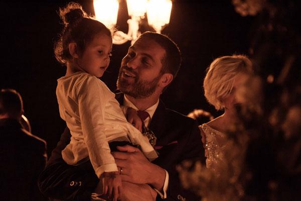 Gli sposi con le figlie