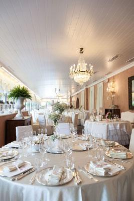 La sala allestita per il ricevimento di nozze a Villa Valenca a Rovato