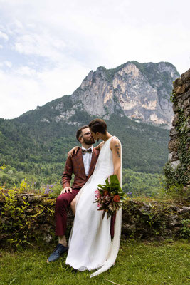 Ritratto degli sposi in montagna