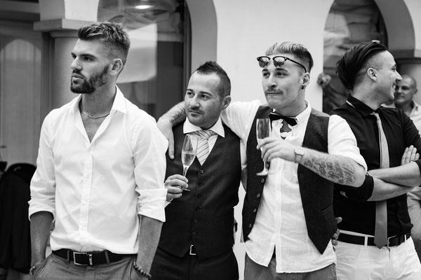 Lo sposo e gli amici