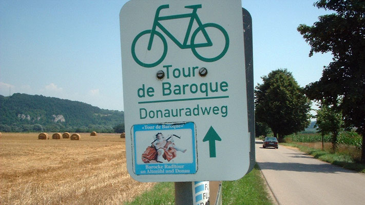 Der Radweg entlang der Donau ist wie fast immer hervorragend ausgeschildert.