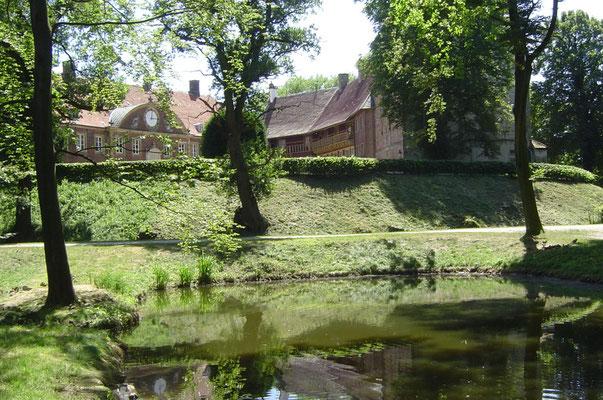 Außenanlagen des Schlosses Rheda