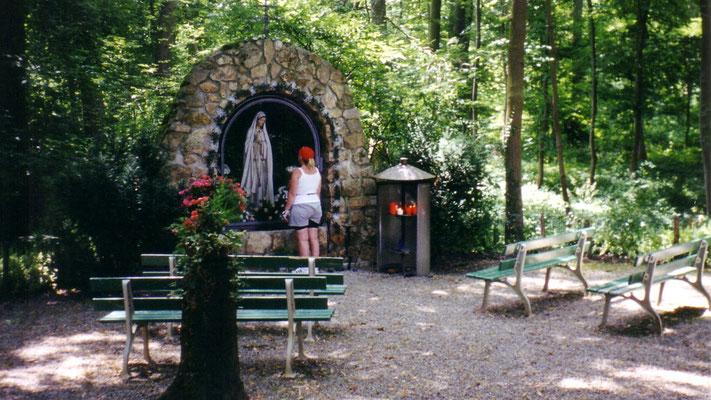 Marienaltar auf dem Weg nach Gundelfingen, unserem ersten Tagesziel (Tagesstrecke: 63 km)
