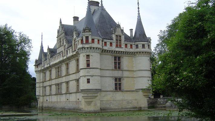 """Das Schloss Azey-Le-Rideau wurde von Balzac als """"Diamant"""" gelobt. Es hat uns aber nicht so gut gefallen wie Villandry."""