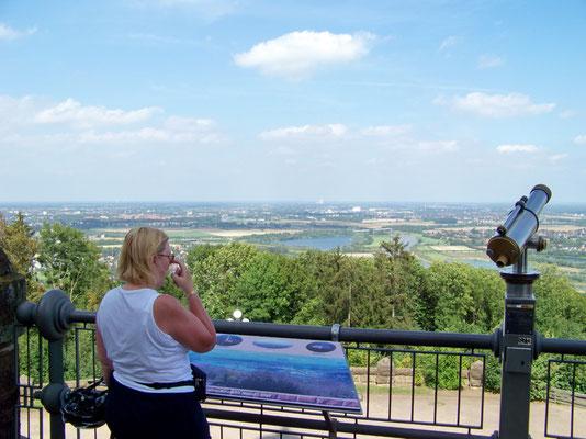 Blick ins Wesertal vom Kaiser-Wilhelm-Denkmal