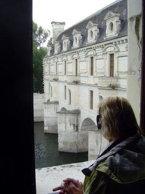 Das Schloss Chenonceau ist über den Cher hinweg gebaut