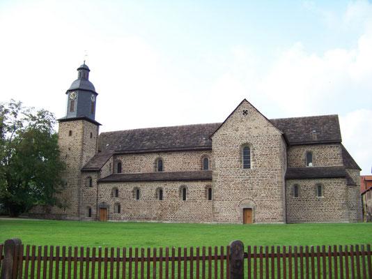 Die romanische Klosterkirche St. Georg und Maria