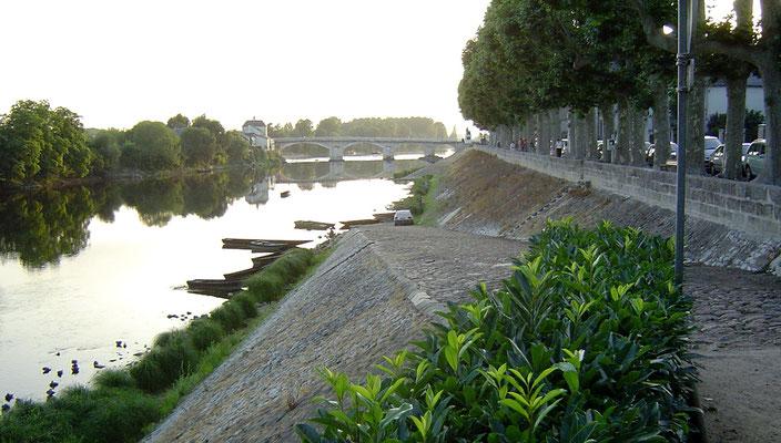 Wir erreichen Chinon am Ufer der Vienne