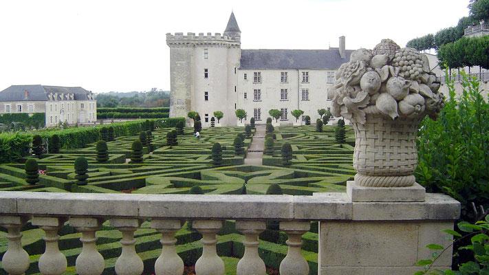 Nach ca. 15 km erreichen wir ein erstes Highlight unserer Tour, das Schloss Villandry.