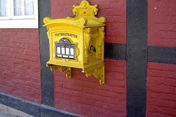 Schloss Rheda: Ein historischer Briefkasten ...