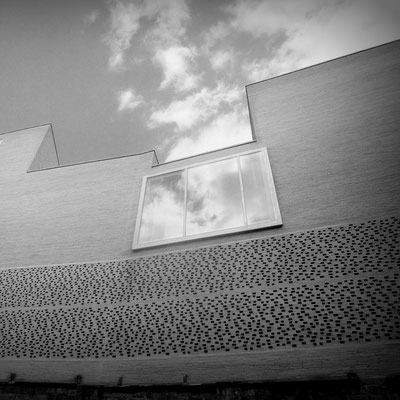 Koeln_GER | 2011 - Architekt: P. Zumthor. Eine Photographie von LePaien