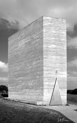 Wachendorf_GER | 2011 - Architekt: P. Zumthor. Eine Photographie von LePaien