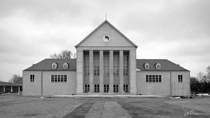 hellerau_GER | 2012 - Architekt: Heinrich Tessenow. Eine Photographie von LePaien