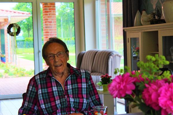 senioren wg statt pflegeheim wundersch ner neubau. Black Bedroom Furniture Sets. Home Design Ideas