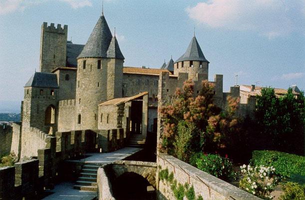 Gites des Camparros à Nailloux : cité de Carcassonne