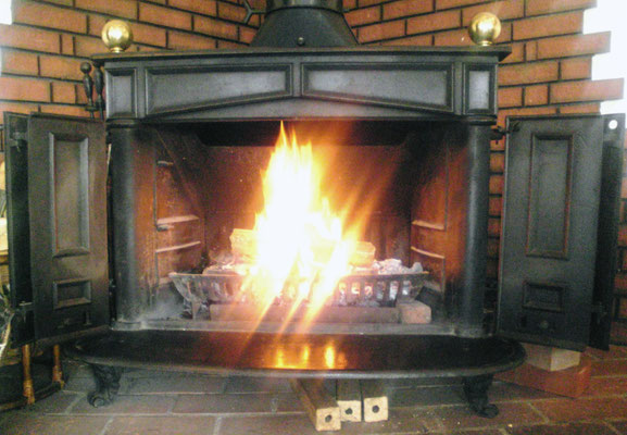暖炉型フランクリンストーブ