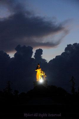 バリの早朝ウォーキングをしているときに、見た雲です。バロンが挨拶しに来てくれたと、思いました。