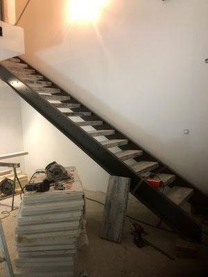 Pose d'un escalier droit à nîmes