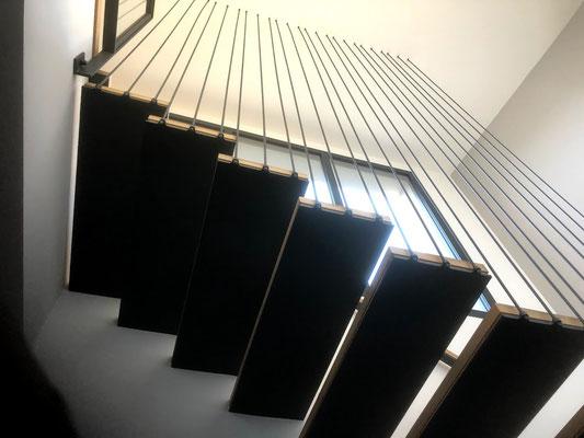 Fabrication et installation d'un Escalier suspendu dans le gard