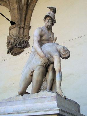 Menelao, el esposo de Helena, sosteniendo el cuerpo sin vida de Patroclo. Loggia dei Lanzi en Piazza della Signoria, Florencia.
