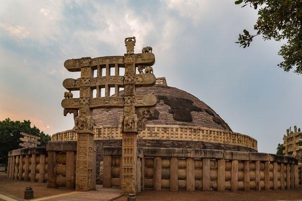 La gran estupa de Sanchi, construida en tiempos del emperador Ashoka (siglo III a.C.)