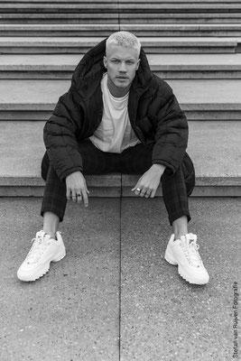 Paul Morris, Singer, Latin, Latinsinger, Popsinger, Artist, Music, Song, Amsterdam, Model, Malemodel, Mensfashion, Menswear, Mannenmode, Fashion, Herenmode, Photography, Fotografie, Portfolio