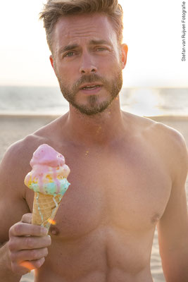 Pascal Maassen, Model, Malemodel, Modeling, Man, Mannen, Mannenfotografie, Men, Gay, Gaypride, Pride, Rainbow, Icecream, Modelagency, Modellenbureau, Beach, Strand, Muscle, Muscled, Gespierd, Handsome, Hot, Abs Photography, Stefan van Ruijven Fotografie