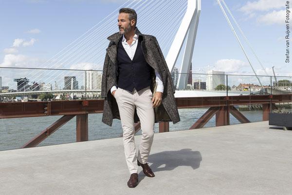 Rotterdam, Grey Model, Silver, Silver Model, Mannelijk model, Malemodel, Model, Man, Mannenportfolio, Portfolio, Shoot, Mensfashion, Mannenmode, Herenmode, Fashion, Erasmusbrug