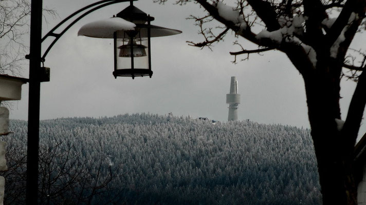 Am Osterwochenende Blick von Bischofsgrün zum Schneeberg 1051 m