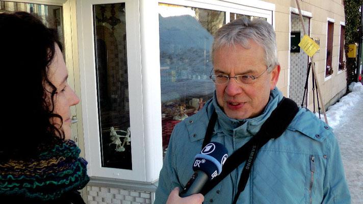 Ekkehard Röder vom Bischofsgrüner Tourismusbüro im Interview mit BR-Rundfunk