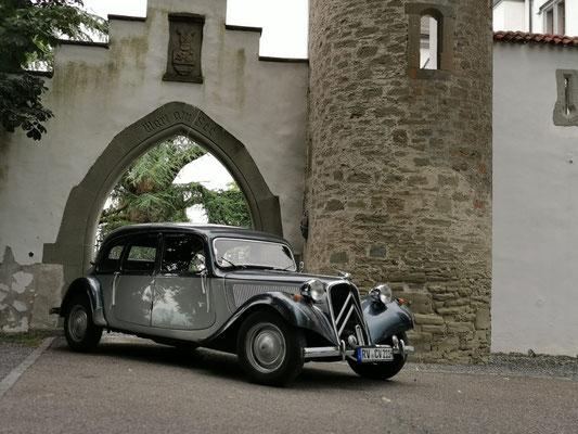 Oldtimer fahrt Schloss Wartensee