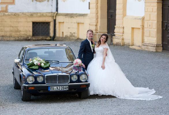 Jaguar XJ6 Baujahr 1984 Frontansicht aus Hochzeits Fotoshooting