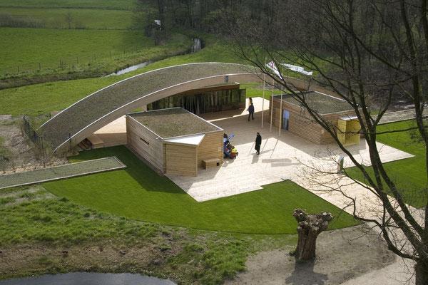 Forum Natur mit Grünbrücke