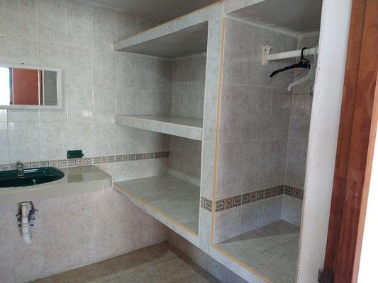 Closet en baño recámara PB