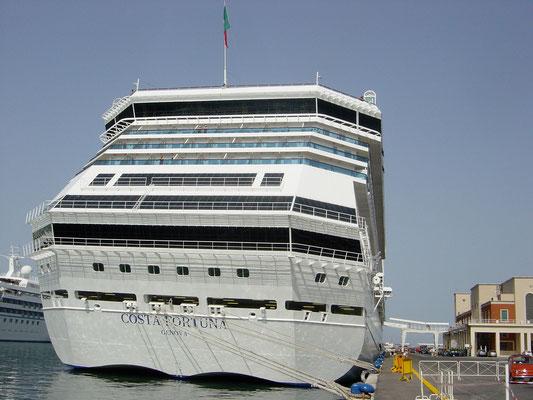 Costa Fortuna im hafen von Palermo