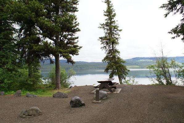 Campground am Boya Lake