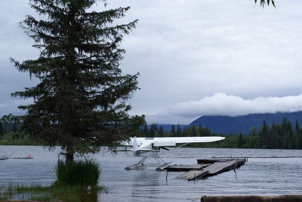 Wasserflugzeug des Campgroundbesitzers