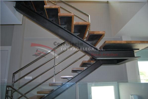 Cerrajeria ornamentacion y estructuras metalicas fa bi for Escaleras metalicas exteriores precios