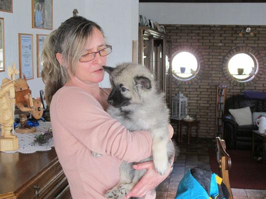 Kia mit Heike Wolf, der Züchterin unseres Mädels