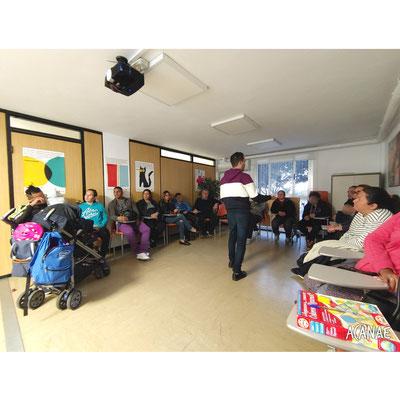 Charla sobre acoso escolar y ciberacoso en la Asamblea Local de Santa Cruz (Cruz Roja Ofra)